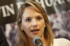 Pasito de Luciana León en mitín de Alan García causa furor - VIDEO