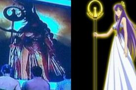 Combate: Reina Madre copia a  Atena de 'Saint Seiya'