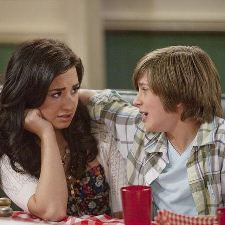 Demi Lovato hará de cupido en Sonny Entre Estrellas