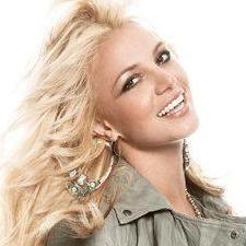 Britney Spears agradece a sus fans apoyo de canción Hold It Against Me