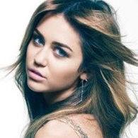 A Miley Cyrus le encantaría ser Carrie Bradshaw en precuela de Sex and the City