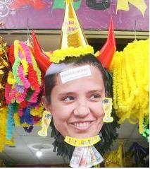 Muñeco de Rosario Ponce es el más vendido para el Año Nuevo 2012