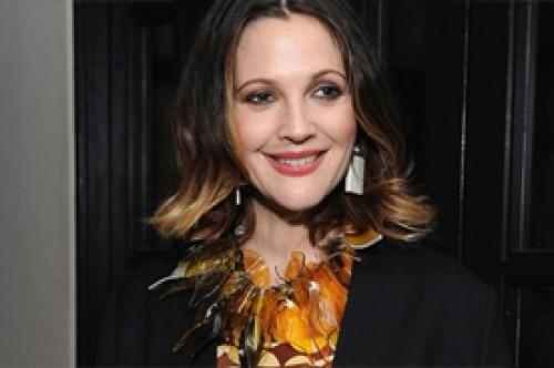 Drew Barrymore despierta rumores de posible embarazo