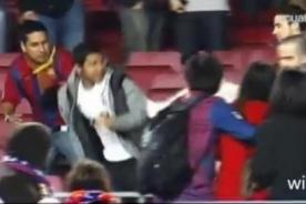 Barcelona: Hincha del Real Madrid fue agredido en el Camp Nou (Video)