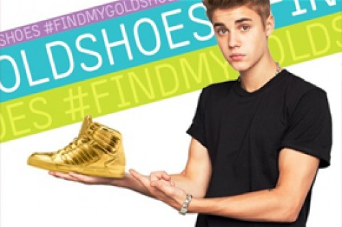 Justin Bieber pide ayuda a sus fans para hallar sus zapatillas doradas