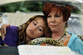 Abuela de Miley Cyrus también opina sobre la cantante y su 'twerking'