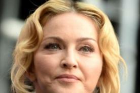 Madonna es vetada en los cines por contestar el celular