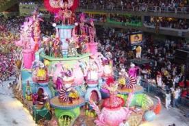 Más de 100 millones de condones se entregarán en el Carnaval de Rio 2014