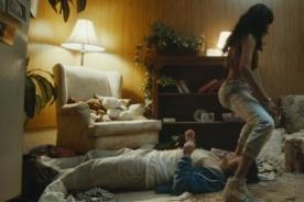 El 'twerk' más extremo convierte a este videoclip en el más bizarro