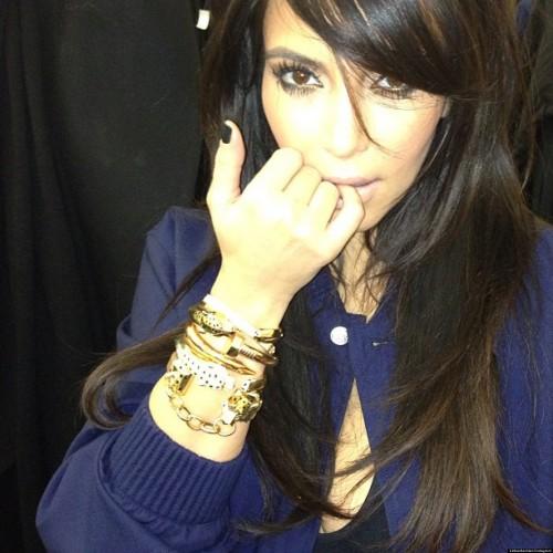 ¡Kim Kardashian posó sensual pese a su embarazo! [FOTOS]