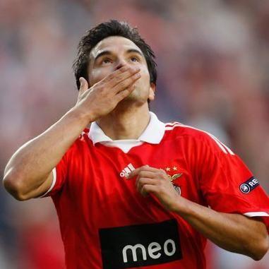Fútbol internacional: Argentino Saviola es el mejor jugador de la liga de Portugal