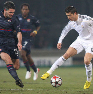 Goles del Lyon vs Real Madrid (0-2) – Champions League 2011