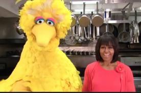 Vídeos: Michelle Obama y 'Big Bird' de Plaza Sésamo juntos en spots