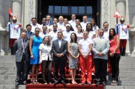 Selección peruana de vóley recibe homenaje en el Congreso de la República