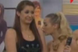 Paula Ávila coquetea con Karla Tarazona en 'Hola a Todos' - Video