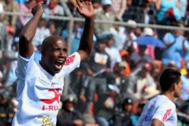 Video: Luis Guadalupe y el peor penal pateado que terminó en gol