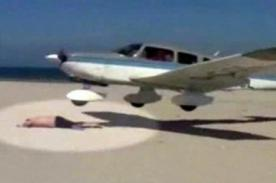 Alemania: Turista se salva de milagro de ser arrastrado por avioneta