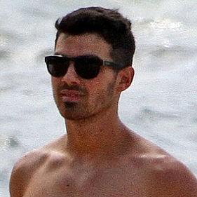 Joe Jonas revela su intensa rutina de ejercicios para mantenerse en forma