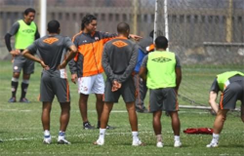 Universitario: Plantel de 24 jugadores inició la pretemporada