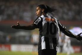 Ronaldinho podría llegar al Besiktas luego de la Copa Libertadores