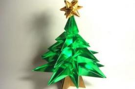Paso a paso: Como hacer un árbol de origami para una Feliz Navidad