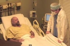 Borracho recibe broma y cree que ha pasado 10 años en coma - Video
