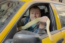 'Taxista' TE HACE REÍR pero a sus pasajeros LLORAR con una serpiente de 5 metros - VIDEO