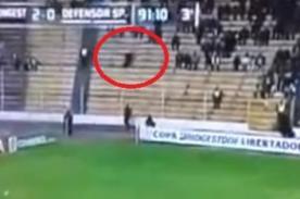 Fantasma aparece en pleno partido de la Copa Libertadores - Video
