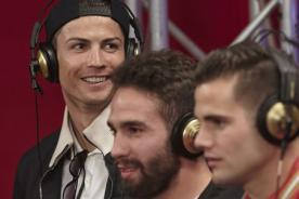 Fotos: Así grabó el Real Madrid la canción Hala Madrid en estudio