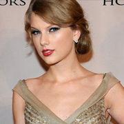 Taylor Swift contenta por los regalos de sus fans en Navidad