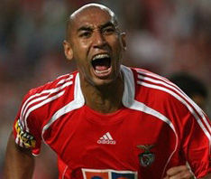Fútbol portugués: El brasileño Luisao se quiere retirar en el Benfica