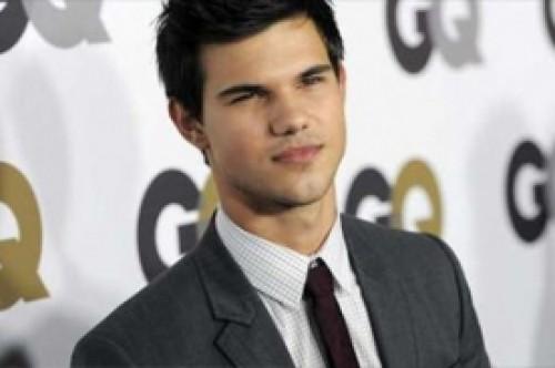 Taylor Lautner confiesa que los fans lo abrumaron en su primer Comic-Con