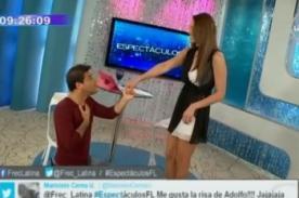 Adolfo Aguilar declaró su amor a Karen Schwarz en vivo - Video