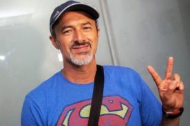 Carlos Alcántara enfurece con Hola a Todos
