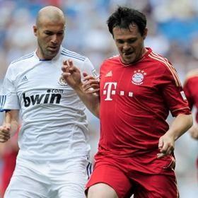 Masters del Real Madrid y Bayern Munich jugaron partido benéfico para África
