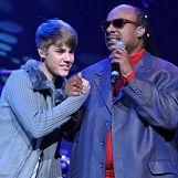 Justin Bieber se presentó en evento benéfico de Stevie Wonder