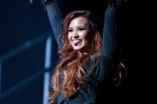 Demi Lovato subastará entradas para su gira para la caridad