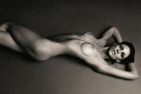 Liberty Ross olvida a Rupert Sanders posando desnuda en revista Love