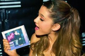 Ariana Grande quisiera tener la confianza de Miley Cyrus para desnudarse