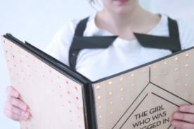 Libro genera sensaciones físicas a los lectores - Video