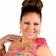Dina Páucar es homenajeada por APDAYC por 20 años de vida artística