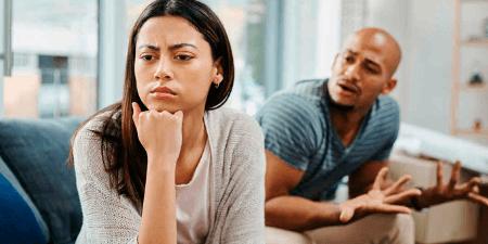 Frases tóxicas que dice un hombre y te indican que debes huir de su lado