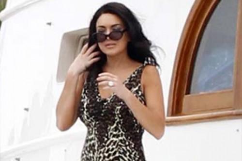 Lindsay Lohan se luce con bikini de leopardo para nuevo filme (Fotos)