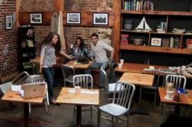 Mujer con poderes telequinéticos aterroriza cafetería en Nueva York - VIDEO