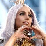 Lady GaGa levantó la bandera equivocada en concierto en Irlanda