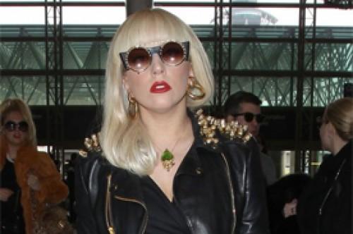 Lady Gaga furiosa por insultos a joven de 14 años que se suicidó