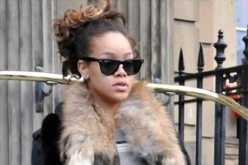 Rihanna podría ser Whitney Houston en la pantalla grande