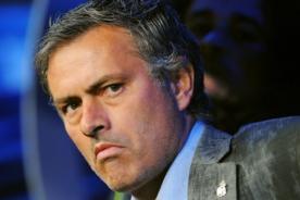 José Mourinho: Aclamado en el Camp Nou y obviado en el Santiago Bernabéu