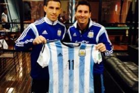 Selección argentina regala camiseta firmada al Papa Francisco