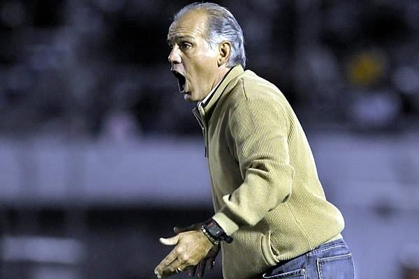 Pedro Ascoy: Con actitud y ganas conseguiremos hoy los tres puntos